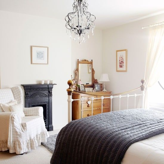 Relaxing guest bedroom | Country bedroom ideas | Country Homes & Interiors | Housetohome