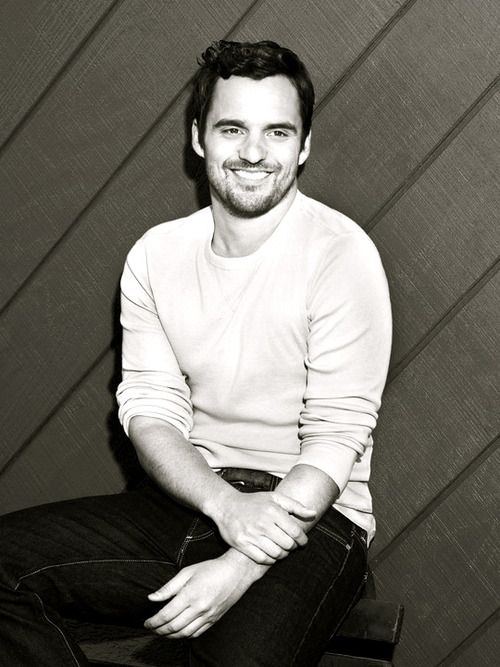 Zooey Deschanel is one lucky girl to have Jake Johnson as her TV boyfriend. #ManCandy #NewGirl
