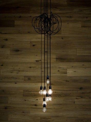 Mooie verlichting! De N.U.D. lampkabels zijn talrijk in kleuren en prints en helemaal niet duur.