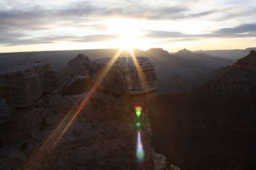 グランドキャニオン2日目。朝に日の出を見に再びグランドキャニオンへ。帰りはルート66を観光してラスベガスに帰ります。