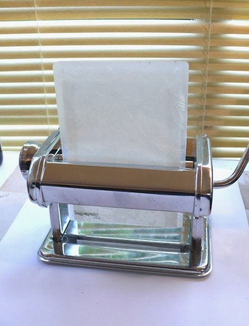 Did you know you could repurpose your pasta machine for embossing?                                        Gloucestershire Resource Centre http://www.grcltd.org/scrapstore/