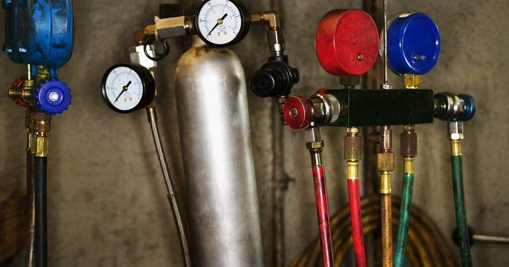 Tipos de transductores de presión. Los transductores de presión deben capturar el valor de la presión de forma continua y transmitir una señal eléctrica correspondiente a distancia. Los diferentes tipos de transductores de presión utilizan diferentes formas para medir la presión y convertirla en señal eléctrica. Éstos son los más comúnmente clasificados de acuerdo con el método ...