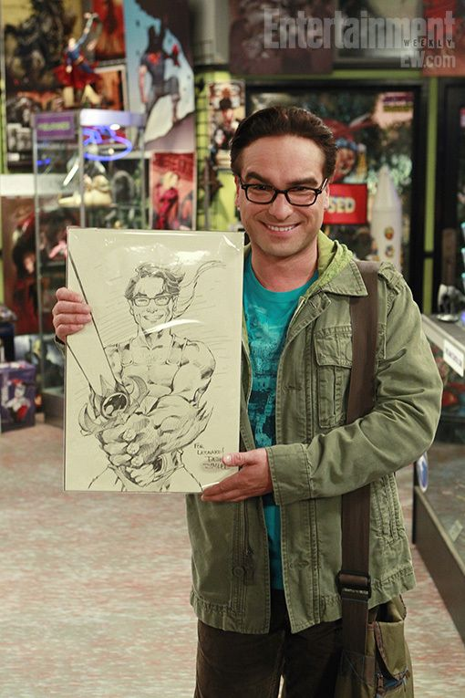 Johnny Galecki as Leonard Hofstadter holding Leonard the Barbarian #TV #TBBT #TheBigBangTheory