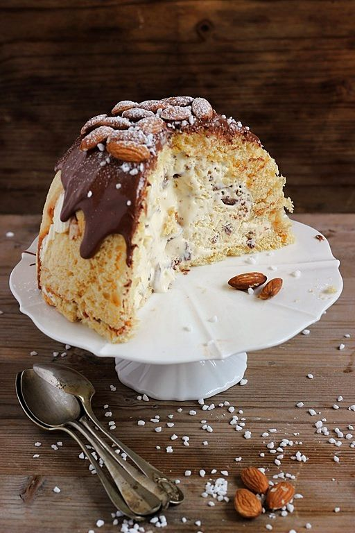 MIEL & RICOTTA: Zuccotto di Pasqua; Italian Easter cake with ricotta and honey
