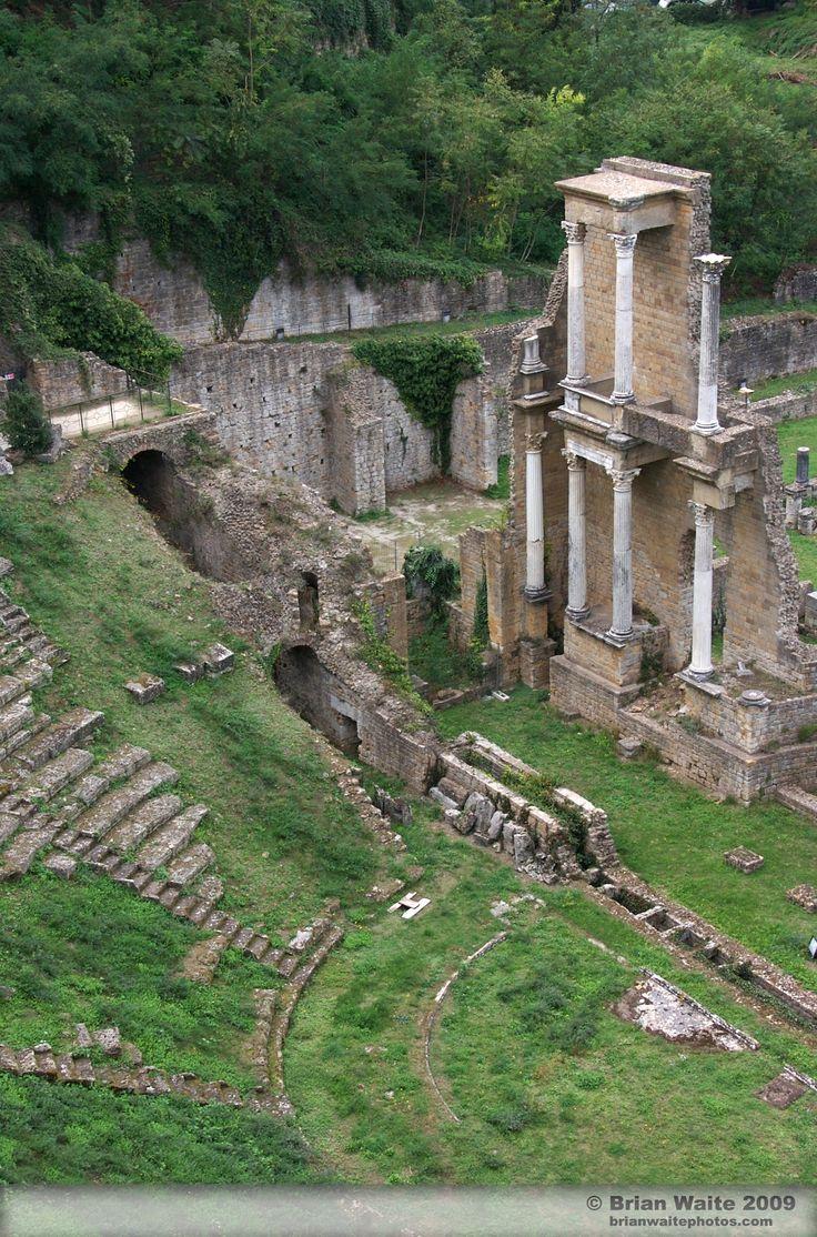 Volterra  Ruinas romanas   Italia