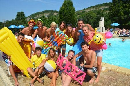 Zwembad op vakantiepark La Draille