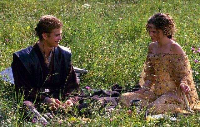 Still of Natalie Portman and Hayden Christensen in Star Wars: Episode II - Attack of the Clones