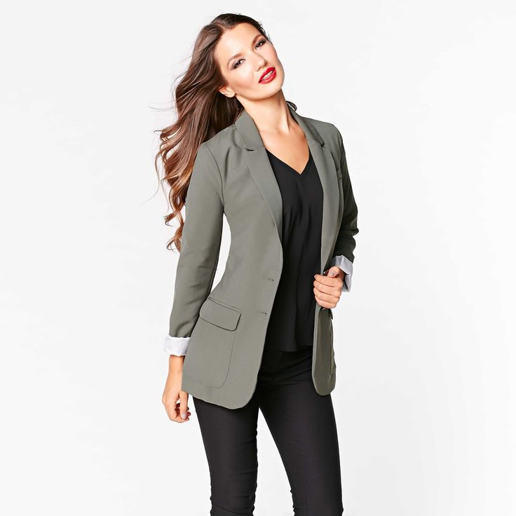 Be right on trend this season with this military green boyfriend blazer.
