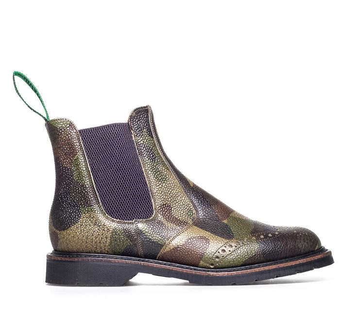 Our Dealer Boot in Camouflage leather is Goodyear welted using Solovair's renowned Soft Sole Suspension technology, which ensures comfort and durability.
