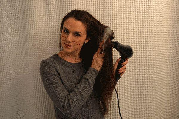 Deshazte del olor a cabello quemado con un secado en frío. | 13 Trucos inteligentes para las chicas que se planchan el cabello