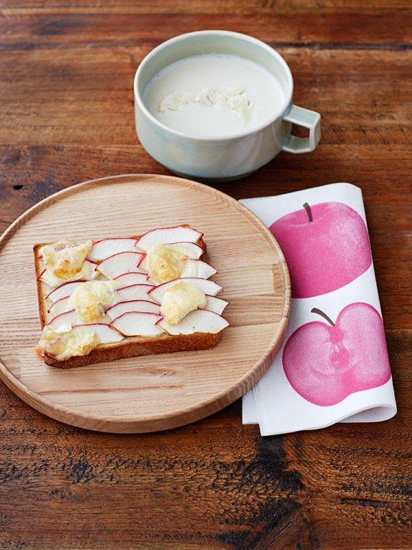 Recipe:カリフラワーポタージュとりんごカマンベールトースト/りんごの自然な甘さとチーズの塩気が◎