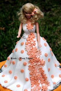 KRISTA MOCAF KITCHEN: Barbie cake - #birthday cake