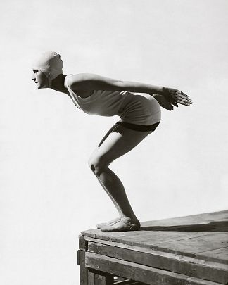 Jean Patou swimsuit - George Hoyningen-Huene - http://www.yellowkorner.com/photos/1142/jean-patou-swimsuit.aspx