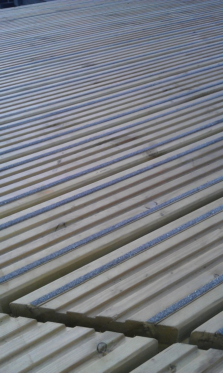 Q-Grip Strip, Slip Resistant Retro Fit Decking Strip 5 x 8 x 1195mm