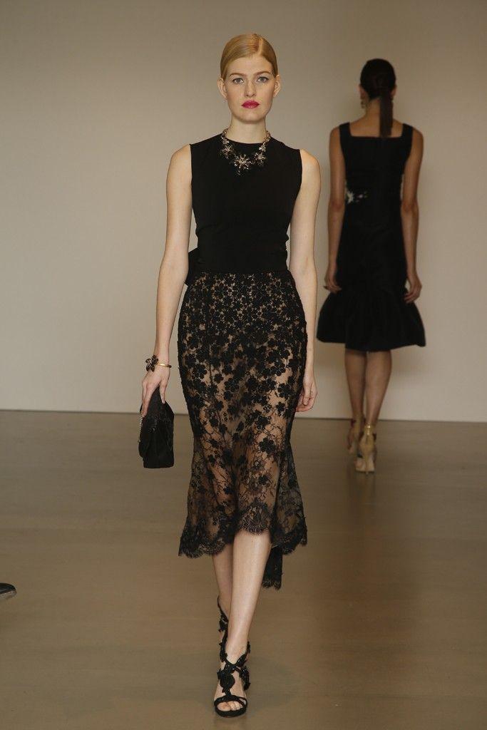Classic Fashion Oscar De La Renta Leather Sandals Sand Brandi Glitter finished And Satin