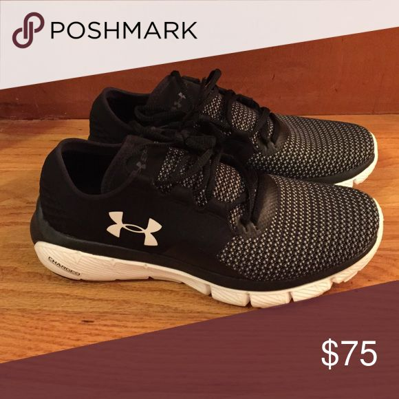 2b417ed4923 Under armour womens Charged sneakers