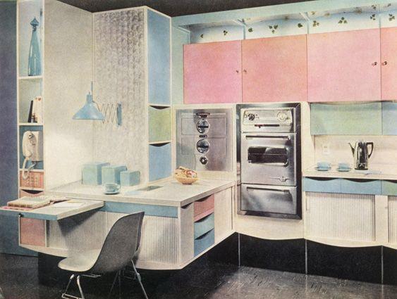 cuisine am ricaine avec coin bureau ann es 60 cuisine en couleur pinterest pi ces de. Black Bedroom Furniture Sets. Home Design Ideas