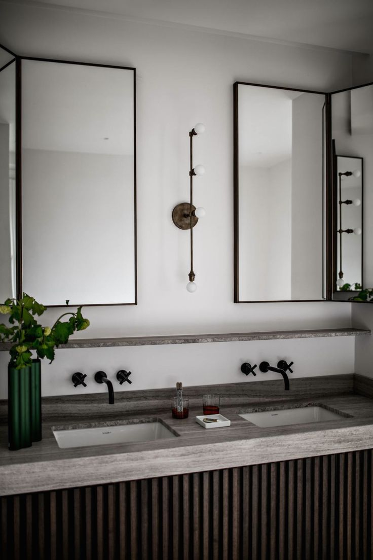 Industrial monochrome bathroom inspiration. When you want black and white and ideally some concrete - this would be a winner