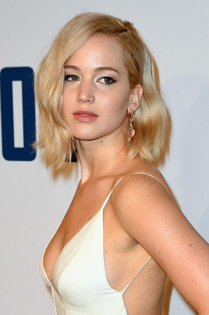 "Jennifer Lawrence – Premiere of ""Joy"" New York : Global Celebrtities (F) FunFunky.com"