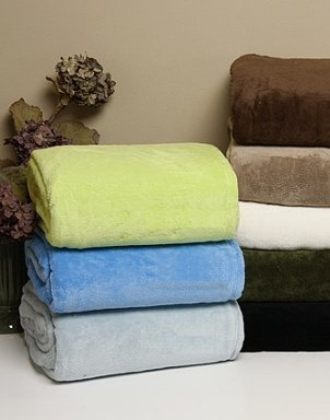 How to wash fleece. Should not use fabric softener on fleece as it will damage the water-repellent finish.