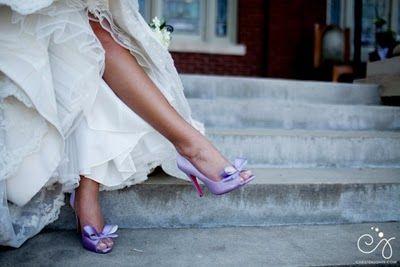 lavender_wedding_shoes_-_christen_jones_photography.jpg (400×267)
