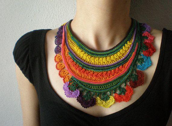 Sarracenia Flava... FreeForm Crochet - amarillo naranja verde púrpura - flores de colores - Beadwork babero declaración collar de cuentas