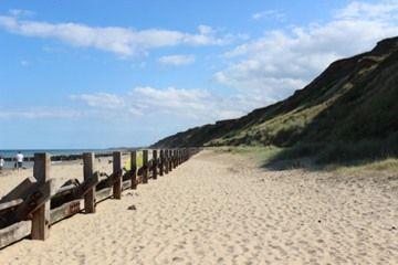 Mundesley sandy blue flag beach