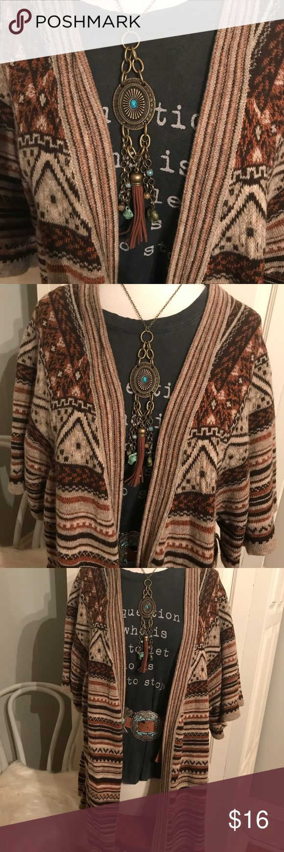 Apt. 9 Boho Tribal Sweater Cardigan. Beautiful short sleeved tribal Sweater vest. In earth tones if brown, cream, rust tribal print. No belt included. Very soft! Size Medium Apt.9 Sweaters Shrugs & Ponchos