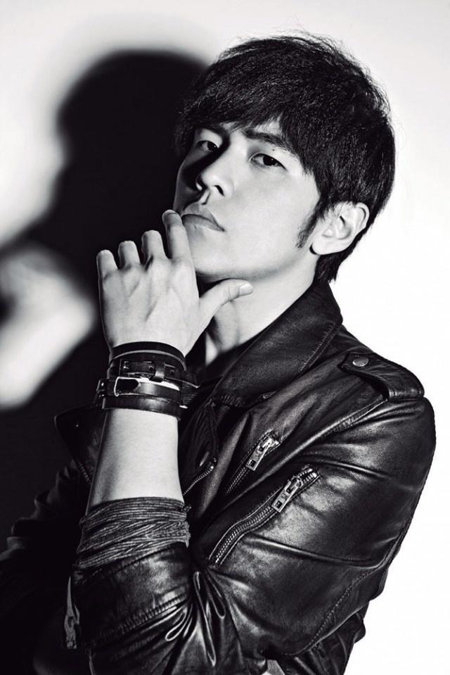 the first taiwanese musician i adore..  must meet him :p