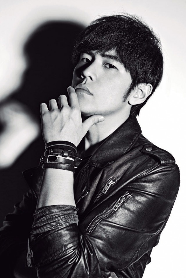 the first taiwanese musician i adore..  must meet him :p