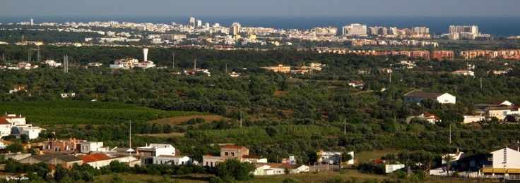 Quarteira - Vila Moura  visto de Boliqueime  /  Algarve