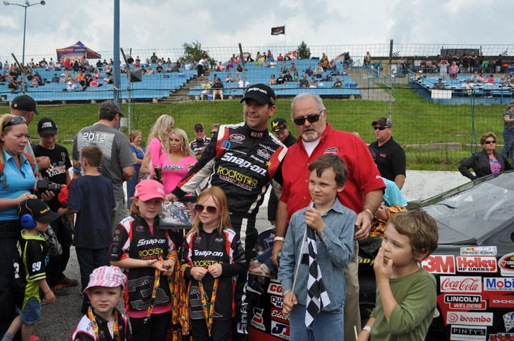 Great trackside shot-Snap-on Tools joining Jason during the autograph session at Delaware Speedway