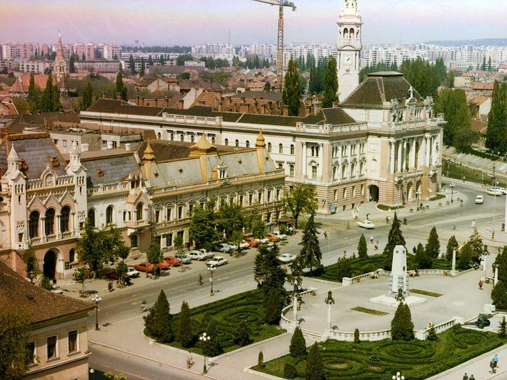 Oradea de sus: Piata Unirii | Oradea in imagini