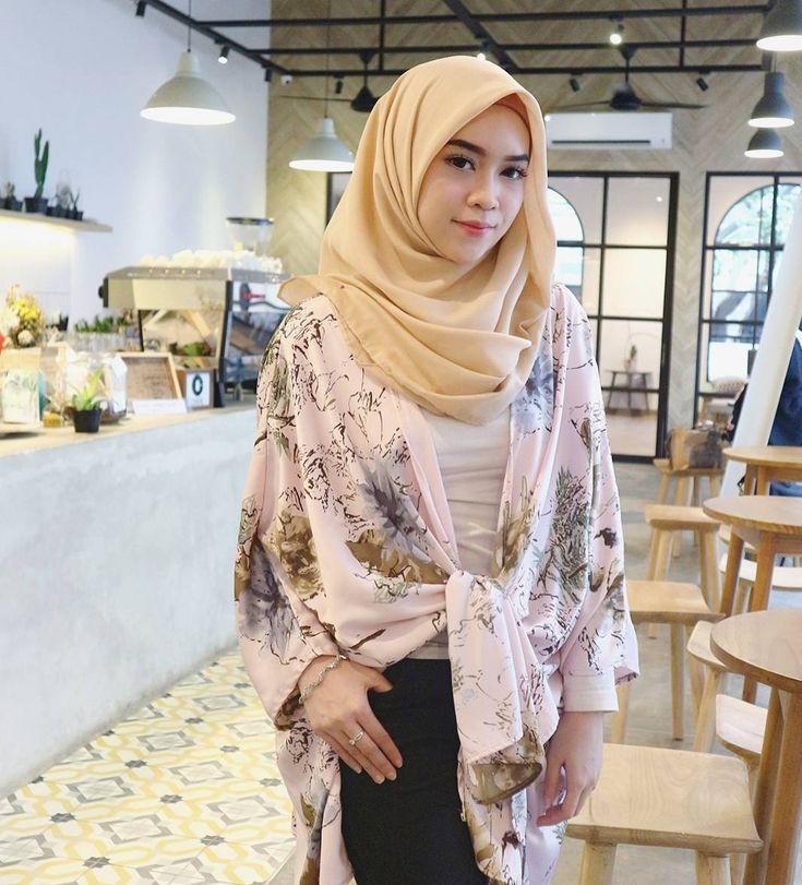 wanita jilbab #wanitajilbab   hijabis lifestyle # ...