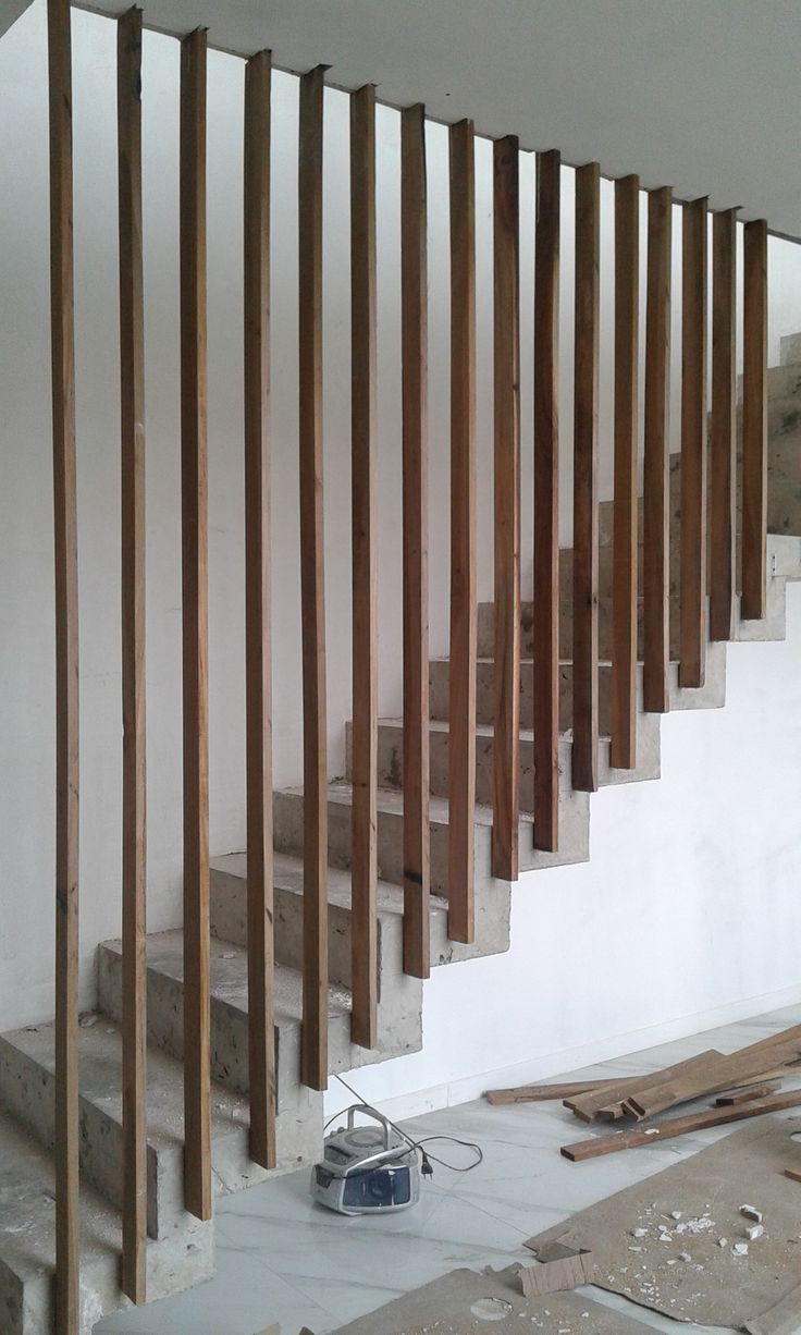 Escalera baranda vertical madera lapacho wood www - Baranda de escalera ...