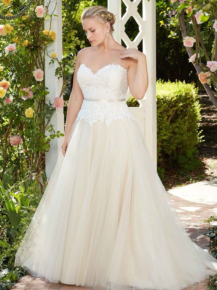 40 Best Curvy Bridal Images On Pinterest