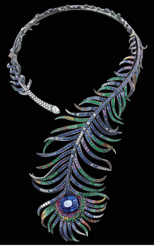 Boucheron - Collier Plume de Paon - Or noirci, Saphirs, Diamants et émeraudes - 2005