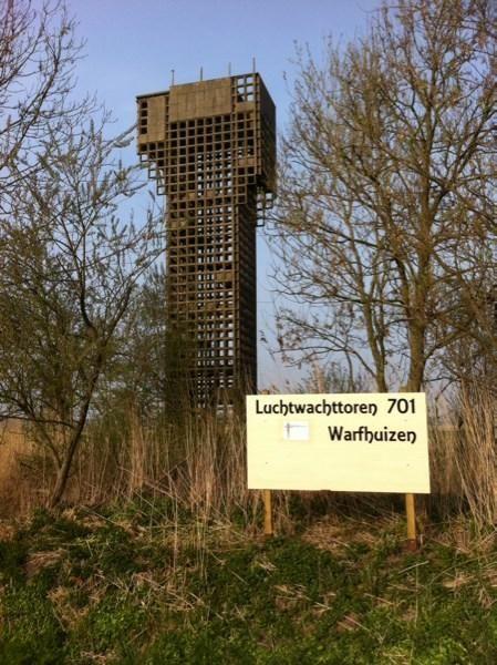 Een volgende generatie luchtwachttorens? http://nos.nl/artikel/2028911-poolse-observatietorens-moeten-russische-grens-bewaken.html…