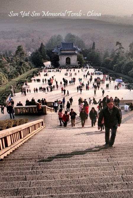 Sun Yat Sen Memorial Tomb in 10D8N China Fantastic Saver (CFSSQ) on 26 September 2014. Call us now on 021 2350 9925 or email us at tourasia@bayubuanatravel.com