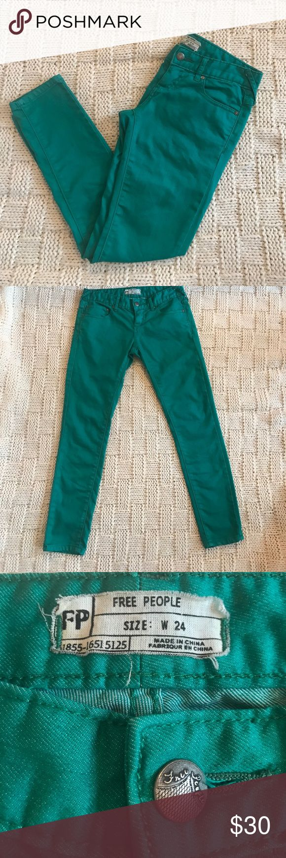 "FREE PEOPLE Skinny Jeans You need these jeans! Adorable and fun emerald green skinny jeans by Free People, size W 24. Comfortable and stretchy cotton/polyester blend. 26"" inseam. Excellent condition!! Free People Pants Skinny"