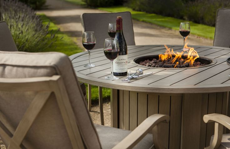 The Portland dining gas fire pit set allows you to entertain guests in comfort and style whilst having great fun. The Portland table incorporates a gas fire pit at the centre which provides a source of instant heat or if the occasion arises can be converted to a grilling set with an Emberglow accessory pack (optional extra).
