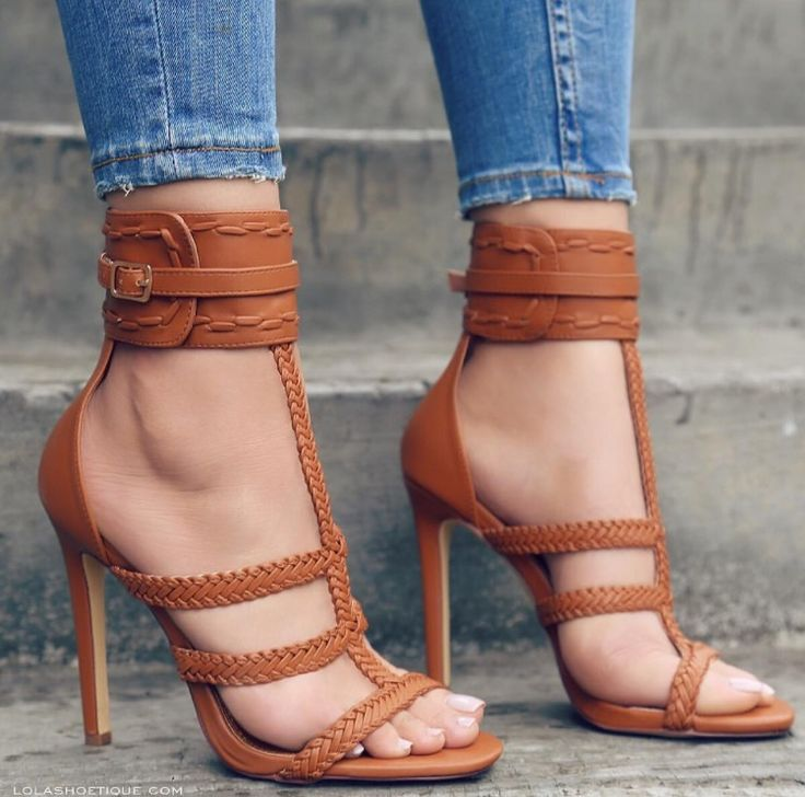 Stunning Shoes. Fall Outfit. Would combine well with anything really.