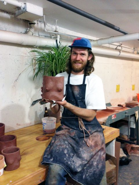 The very talented Isaac Nichols in his NY studio show us how he makes his pots.