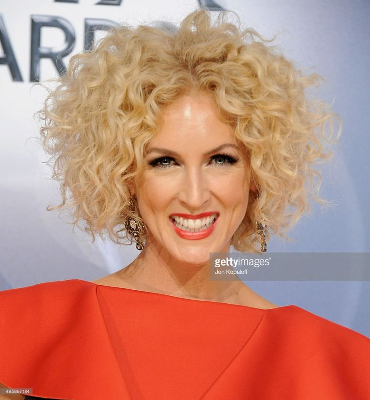 Singer Kimberly Schlapman of Little Big Town attends the 49th annual CMA Awards at the Bridgestone Arena on November 4, 2015 in Nashville, Tennessee.
