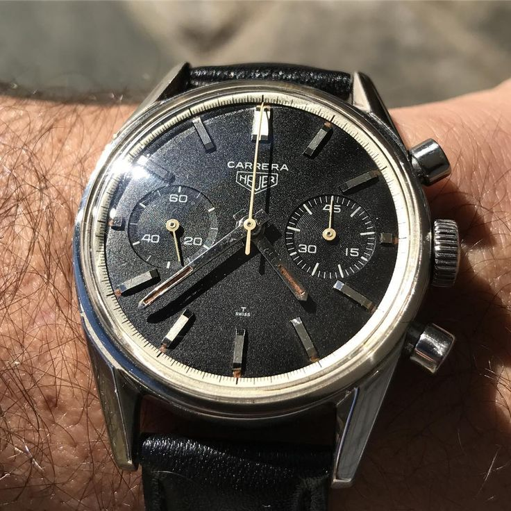 So happy to have found this beauty in Parma. Was missing one of these on my wrist... . . . #anciennewatches #barcelona #madrid #parma #italy #heuer #carrera #3647 #valjoux #chrono #heuercarrera #vintagewatch #patina #vintagechronograph #womw #wotd #racing #timepiece #watcheswithpatina #heuer3647 #notforsale #nfs