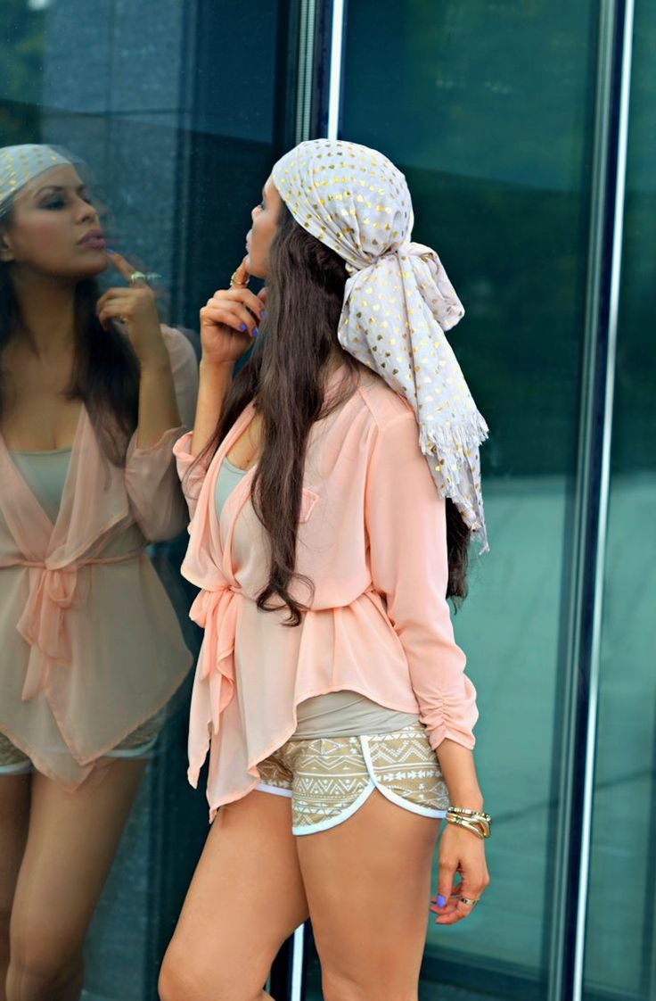 Definitely doin this scarf headband look in the summer!!!!!! Love it!!!