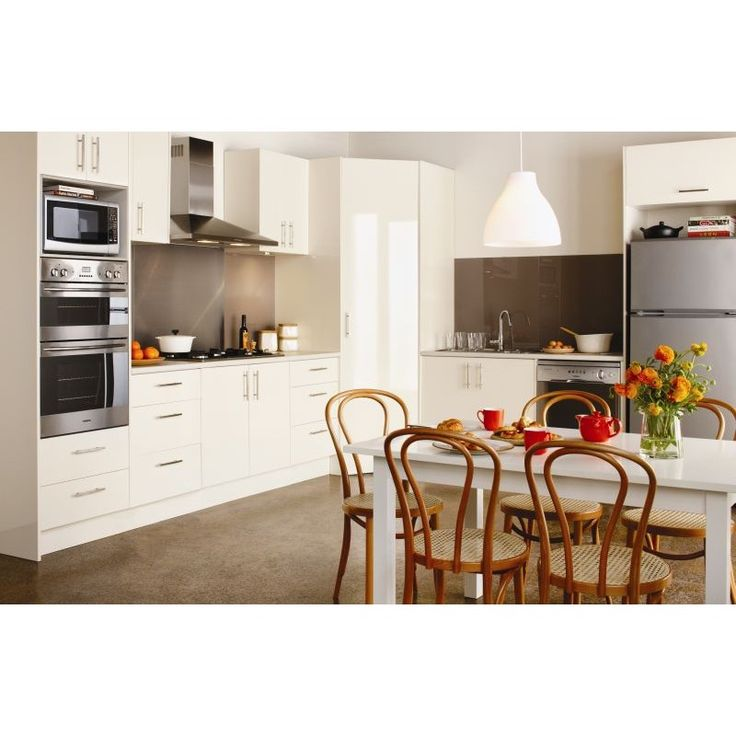 Derived from the belief that the kitchen is the essence of the home, the Essence range presents an air of indispensible quality. Its warmth is portrayed in its subtle colour palette and it is sure to provide a sense of style and comfort to any home.  - See more at: http://shop.mitre10.com.au/kitchens/imagine-kitchens/essence