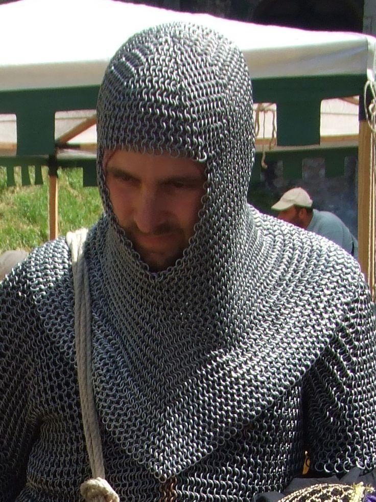 Un camail knight and dragon chevalier costume - La cotte de maille ...