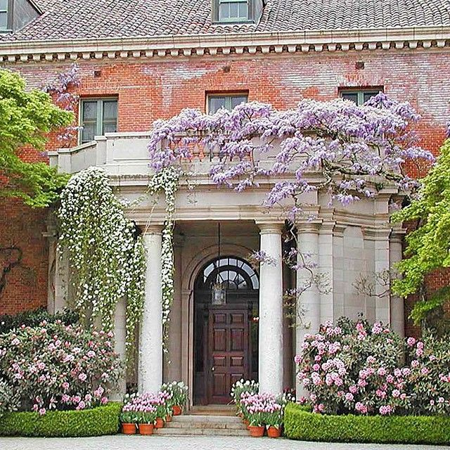 """""""The owner named this house Filoli, by combining the first two letters from the key words of his credo """"Fight for a just cause, Love your fellow man, Live a good life"""" ❤️ @archdigest #filoli #Woodside #Ca #villas #instaarchitects #arquitectura #california #landscape #landscapedesigner #paisajismo #landscapearchitecture #archilovers #diseñointerior #interiorismo #interiordesign #garden #gardendesign #instadesign"""" Photo taken by @verobeachvintage on Instagram, pinned via the InstaPin iOS App…"""