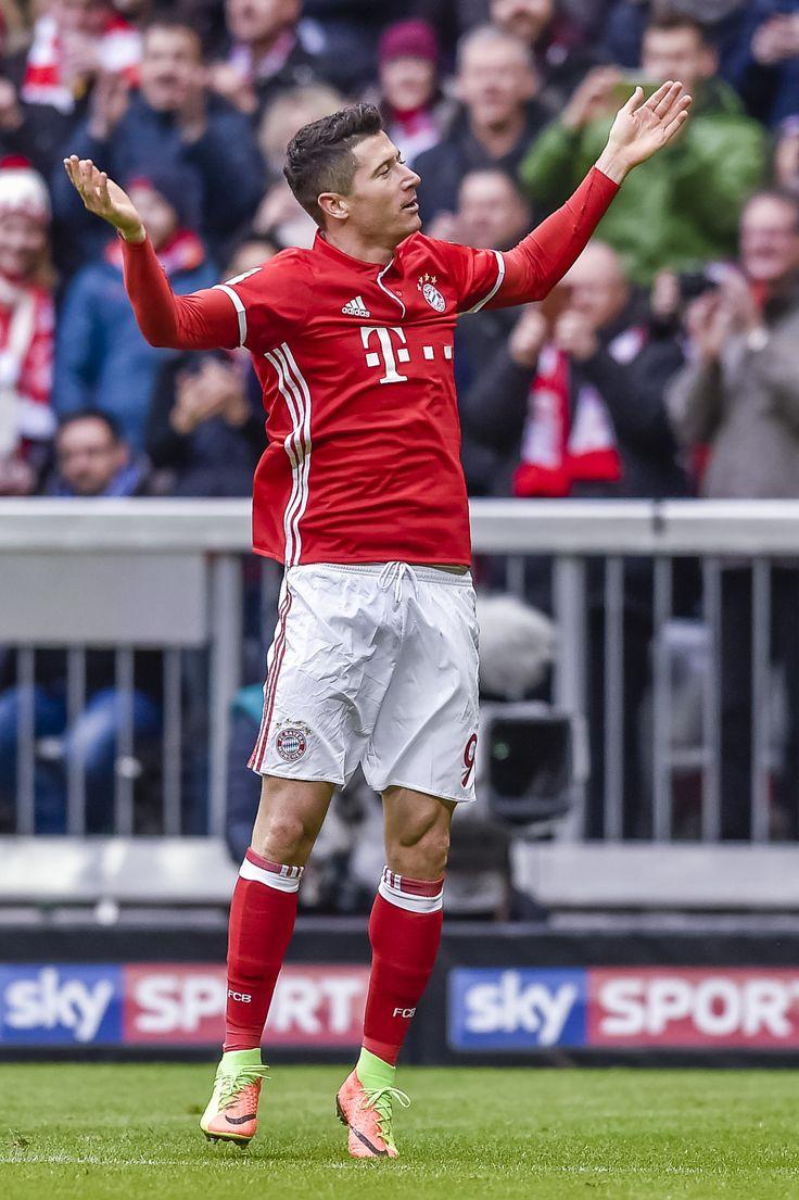 @Bayern Robert #Lewandowski #9ine